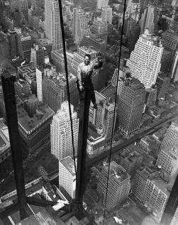The Empire State Building en construction, 1931