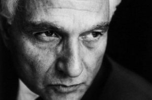 Jacques-Derrida-Paris-12-de-se_54215948225_53389389549_600_396-1
