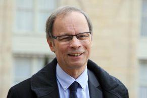 698810-jean-tirole-prix-nobel-d-economie-le-12-novembre-2014-a-l-elysee-a-paris
