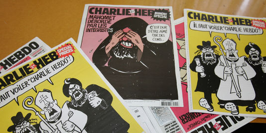 des-couvertures-du-journal-satirique-charlie.jpg