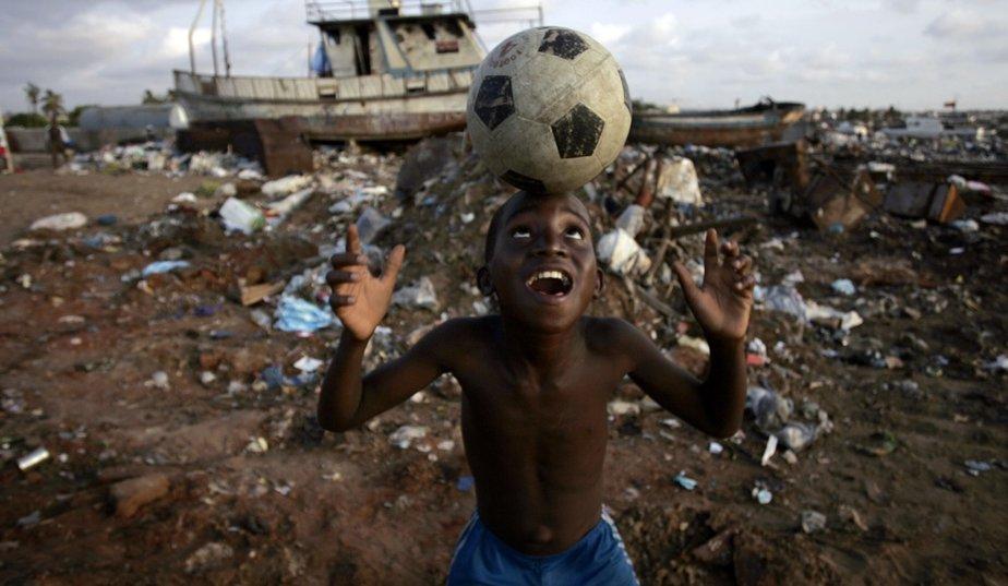 football-angola.jpg